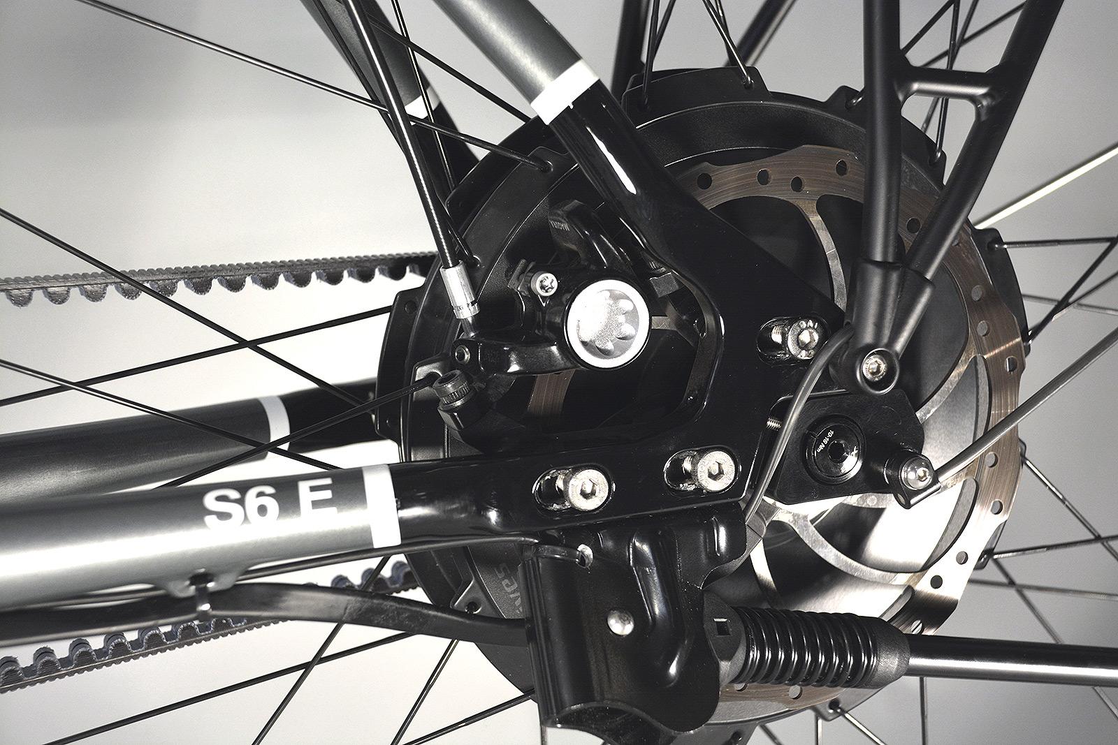 05-Links-Vorne-Motor-Bremse